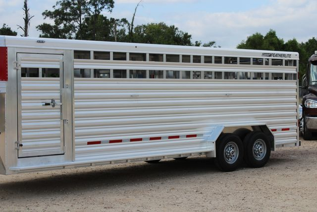 2021 Featherlite 8127 - LIVESTOCK 24' LIVESTOCK SHOW TRAILER WITH PEN SYSTEM RAMPS CONROE, TX 5