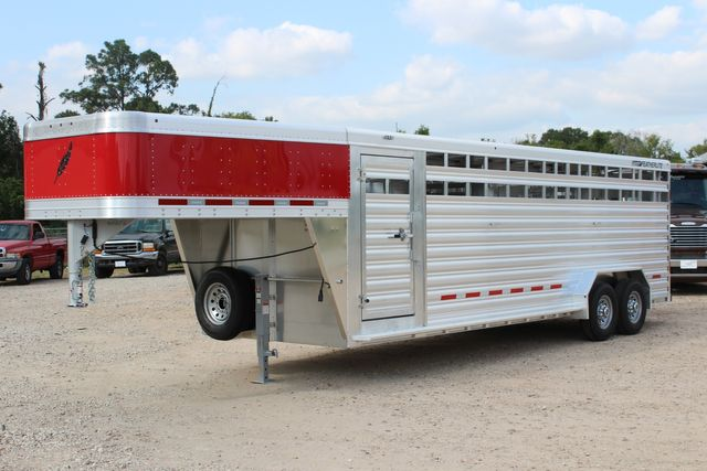 2021 Featherlite 8127 - LIVESTOCK 24' LIVESTOCK SHOW TRAILER WITH PEN SYSTEM RAMPS CONROE, TX 7
