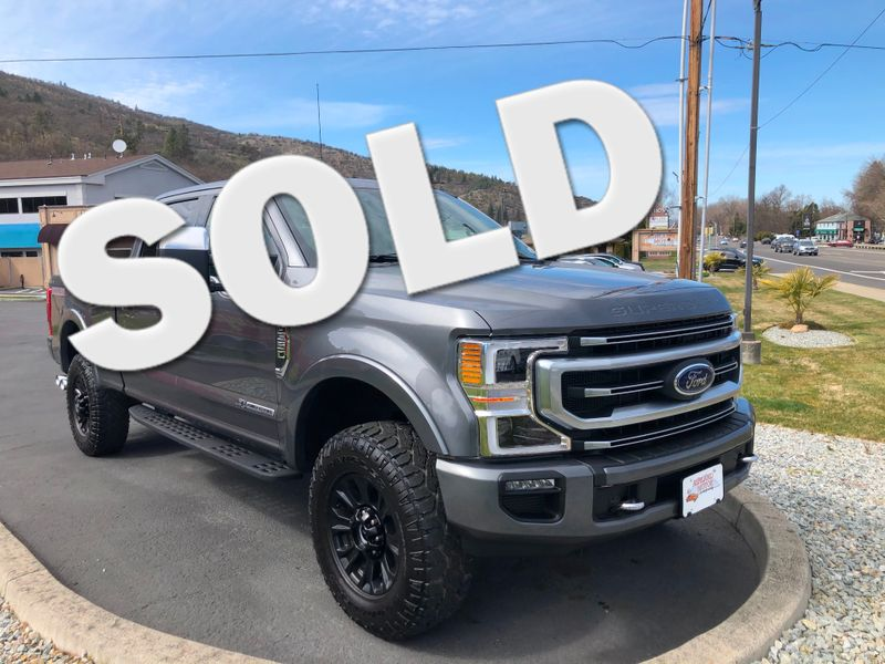 2021 Ford Super Duty F-350 SRW Pickup Platinum Tremor | Ashland, OR | Ashland Motor Company in Ashland OR