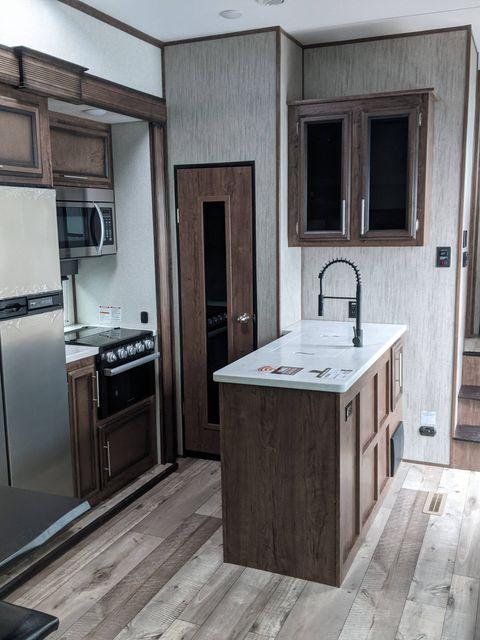 2021 Kz VENOM V3916TK in Mandan, North Dakota 58554