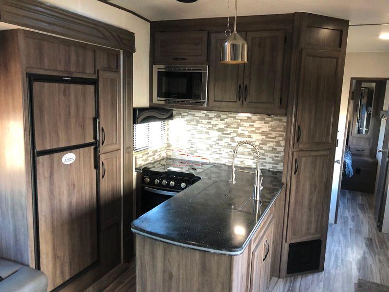 2021 Pacific Coachworks Blazen 2814  in Avondale, AZ