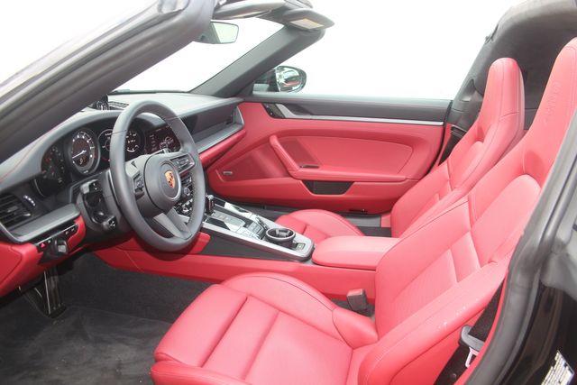 2021 Porsche 911  4S Targa Houston, Texas 27