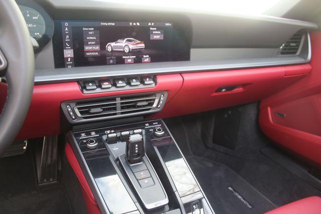 2021 Porsche 911  4S Targa Houston, Texas 39