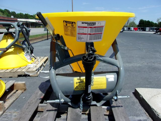 2021 Seed Spreader Titan Seed Spreader in Madison, Georgia 30650