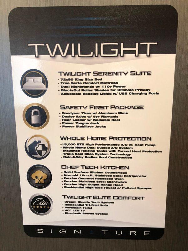 2021 Twilight Signature 2100   in Avondale, AZ