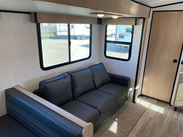 2022 Cruiser Rv Radiance Ultra-Lite R-28QD in Mandan, North Dakota 58554